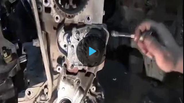 Замена помпы на рено логане видео